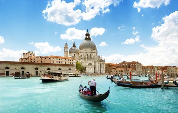 Картинка море, небо, облака, город, люди, лодки, Италия, Венеция, собор, архитектура, Italy, гондолы, Venice, Гранд-канал, Canal …