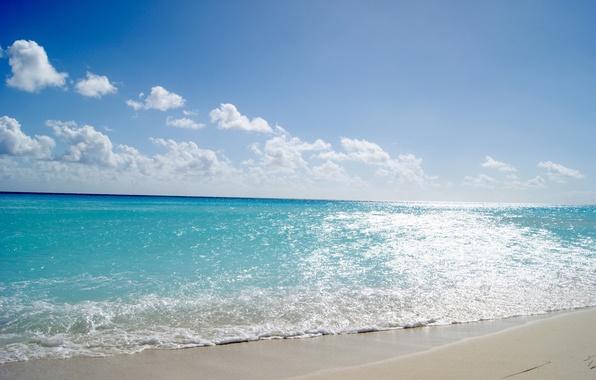 Картинка песок, море, волны, пляж, лето, небо, вода, солнце, облака, свет, пейзаж, синева, тепло, берег, блеск