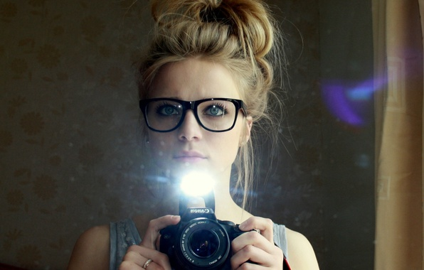 Картинка sexy, woman, reflection, pictures, mirror, hairstyle, spectacled, eye blue, flash camera