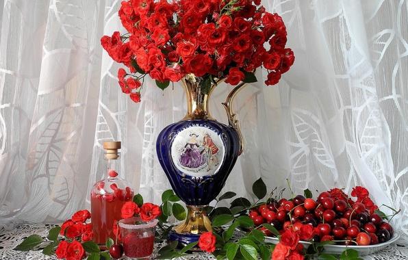 Картинка цветы, ягоды, розы, ваза, натюрморт, черешня, салфетка, тюль, наливка