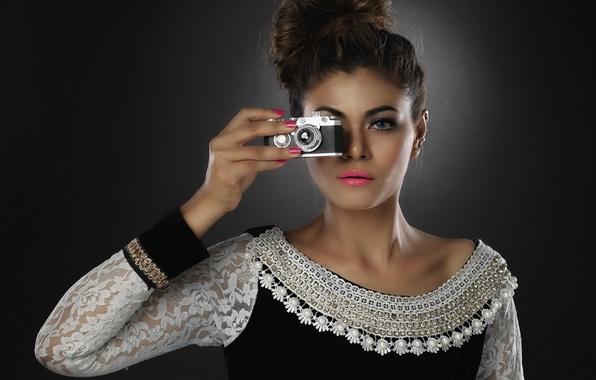 Картинка взгляд, девушка, стиль, фотоаппарат