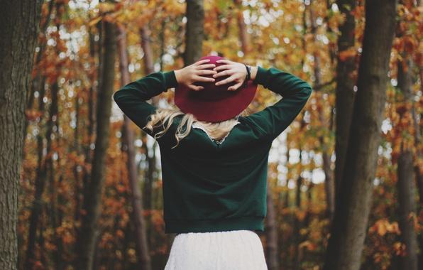 картинки осень девушка со спины