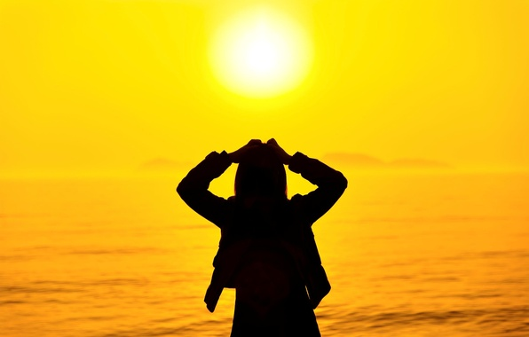 Картинка море, лето, девушка, солнце, закат, природа, поза, фон, отдых, widescreen, обои, настроения, силуэт, wallpaper, girl, …