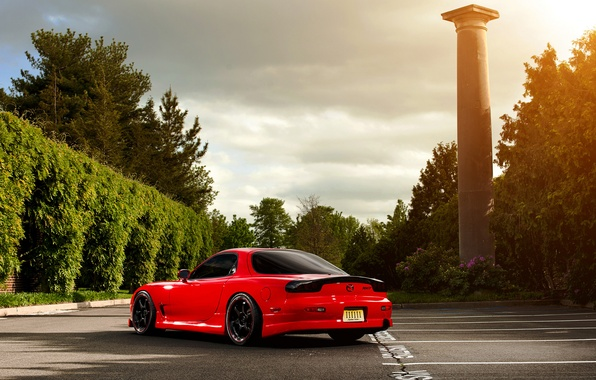 Картинка солнце, деревья, парковка, red, Mazda, блик, красная, колонна, мазда, RX-7