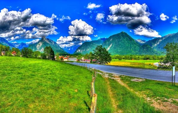 Картинка дорога, трава, облака, деревья, горы, забор, поля, HDR, дома, Словения, Bovec, Tolmin