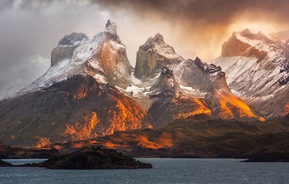 Картинка облака, свет, горы, озеро, Патогония