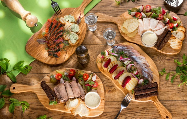 Картинка рыба, хлеб, мясо, водка, помидоры, соус, салат, картошка, блюда, закуска, ассорти, сало, семга, сельдь