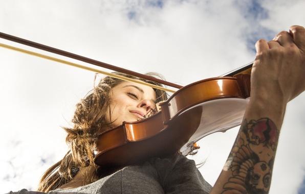 Картинка небо, девушка, лицо, музыка, скрипка