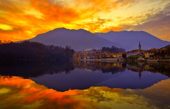 Картинка небо, закат, горы, город, озеро, отражение