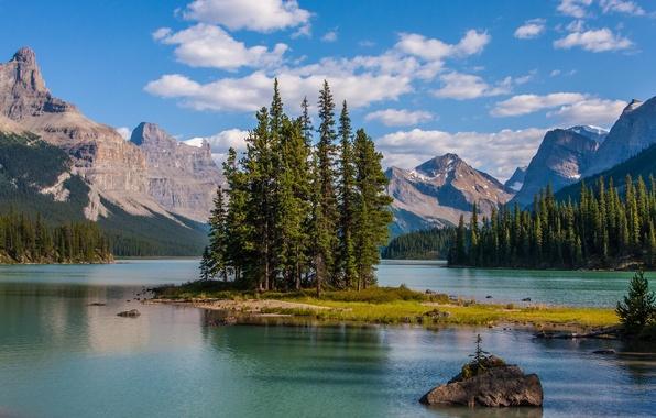Картинка деревья, горы, озеро, остров, Канада, Альберта, Maligne Lake, Jasper national Park