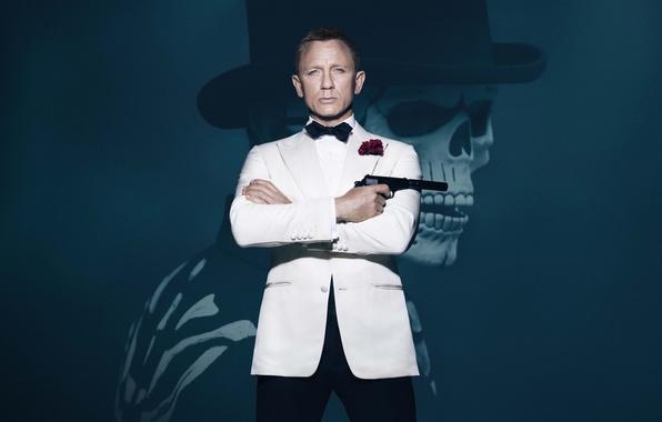 Картинка Action, Red, Gun, Daniel Craig, 007, Skull, White, James, Roses, Boy, James Bond, Year, EXCLUSIVE, …