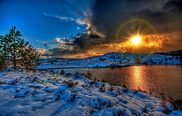 Картинка зима, небо, солнце, облака, снег, пейзаж, закат, природа, река, white, белые, river, sky, landscape, nature, …