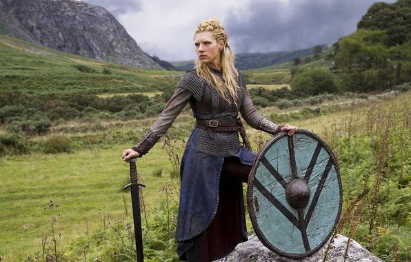 Картинка природа, меч, сериал, щит, драма, Vikings, историческая, Викинги, Katheryn Winnick, Lagertha