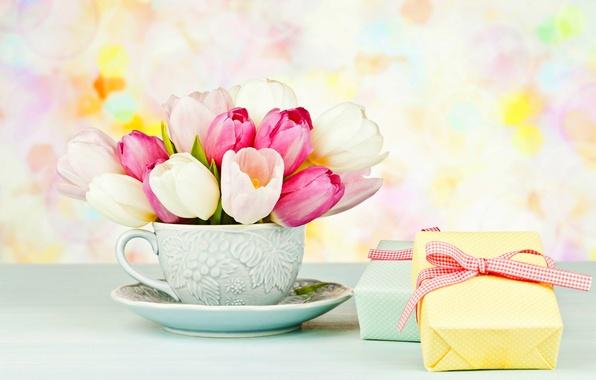 Картинка цветы, коробка, подарок, букет, чашка, тюльпаны, розовые, box, pink, flowers, блюдце, cup, tulips, gift, bouquet