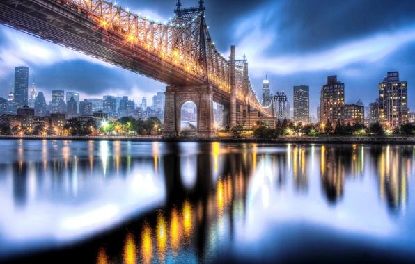 Картинка небо, тучи, город, огни, отражение, река, здания, дома, Нью-Йорк, небоскребы, вечер, выдержка, USA, США, Манхэттен, …