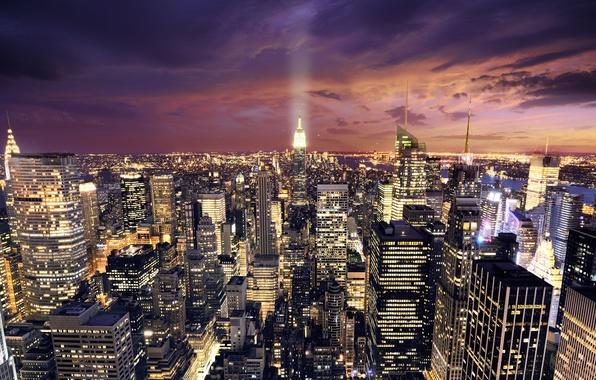Картинка небо, облака, свет, ночь, огни, фото, дороги, дома, Нью-Йорк, америка, небоскрёбы