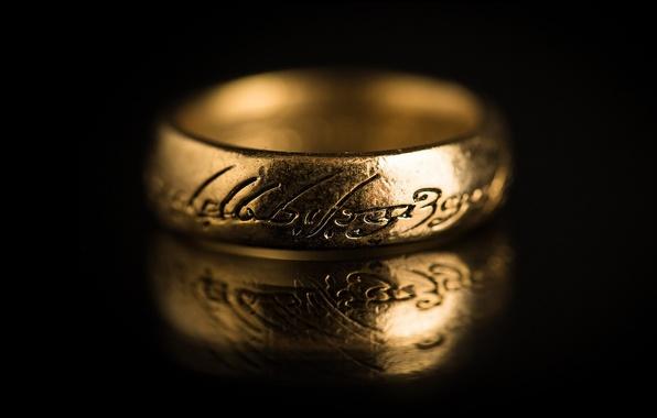 Картинка надписи, темный фон, властелин колец, кольцо, золотое