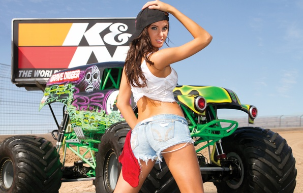 Картинка Девушка, Взгляд, Машина, Monster, Karla, Truck, Jayne