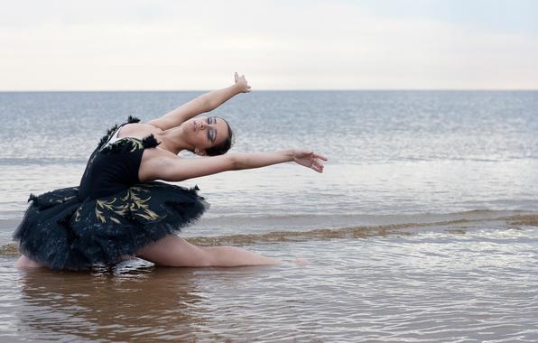 Картинка море, вода, танец, шатенка, балерина