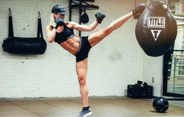 Картинка девушка, удар, карате, Yanyah Milutinovic