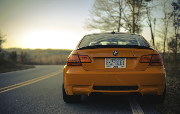 Картинка дорога, оранжевый, бмв, вечер, BMW, road, evening, orange, e92