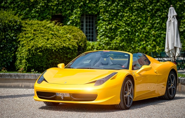 Картинка Ferrari, 458, Yellow, Castle, Spider, Cabriolet, Supercar, Paul Rodrigues