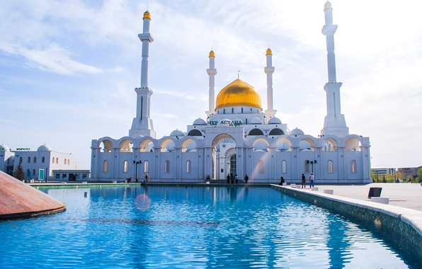 Картинка люди, фонтан, мечеть, Казахстан, минарет, Астана