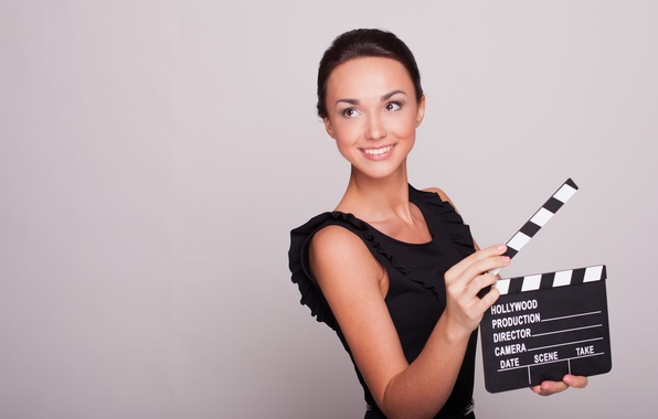 Картинка девушка, настроение, сцена, cinema, красивая, мотор, группы, рабочее, первый, фильма, дубль, киношное, операторской, хлопушка, съемке, …