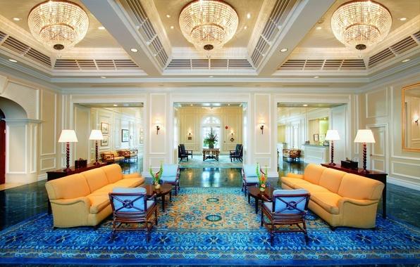 Картинка дизайн, стиль, комната, мебель, люстры, голубой ковер, желтые диваны