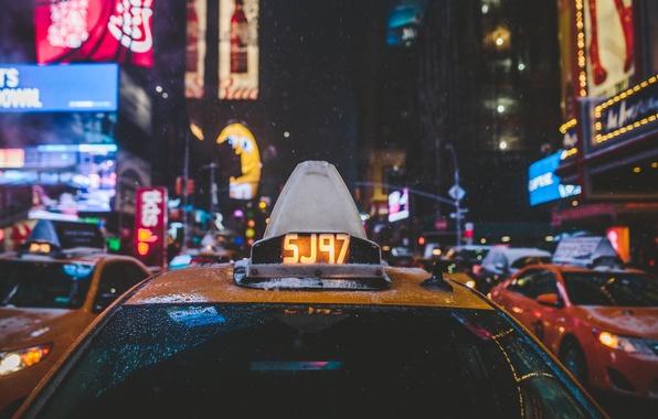 Картинка зима, стекло, капли, снег, огни, улица, Нью-Йорк, такси, Манхэттен, автомобили, ночные, Соединенные Штаты, неоновые, Таймс-Сквер