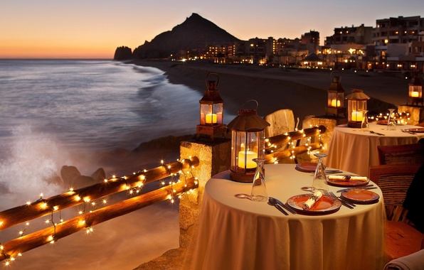 Картинки по запросу ужин в ресторане девочки на берегу моря