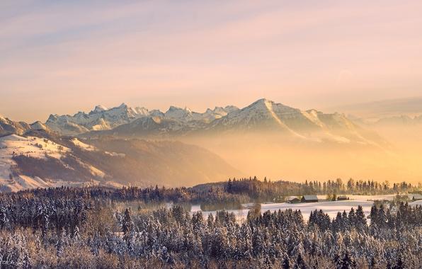 Картинка зима, лес, небо, солнце, снег, горы, природа, туман, дома