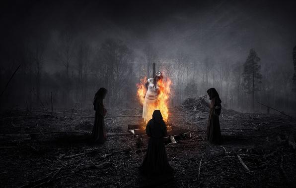 Картинка лес, ночь, люди, огонь, ритуал, ведьма, трое, горит, облачения
