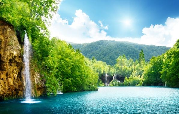 Картинка море, небо, облака, деревья, пейзаж, природа, озеро, водопад, красивая, sky, trees, sea, landscape, nature, beautiful, …
