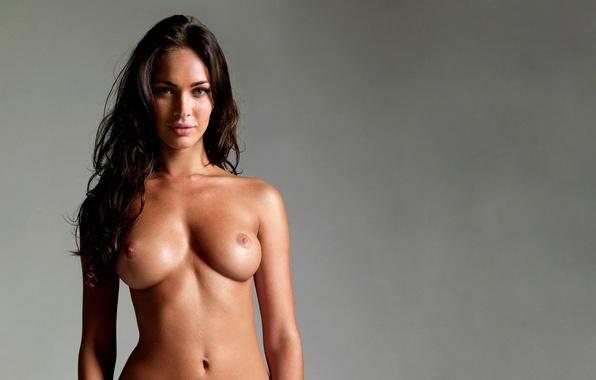 голые груди известных девушек фото - 11
