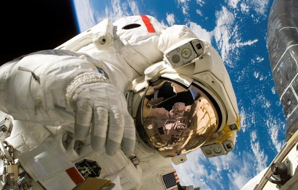 Картинка космос, мкс, космонавт, скафандр