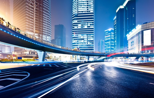 Картинка дорога, ночь, огни, движение, разметка, здания, круг, неон, знаки, мегаполис, высокие, traffic, Big city night