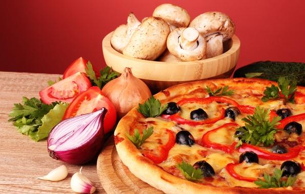Картинка грибы, лук, натюрморт, пицца, помидоры, оливки, петрушка, чеснок, шампиньоны, паприка