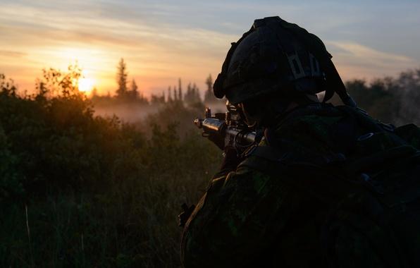 Картинка утро, солдат, оруже, Canadian Army
