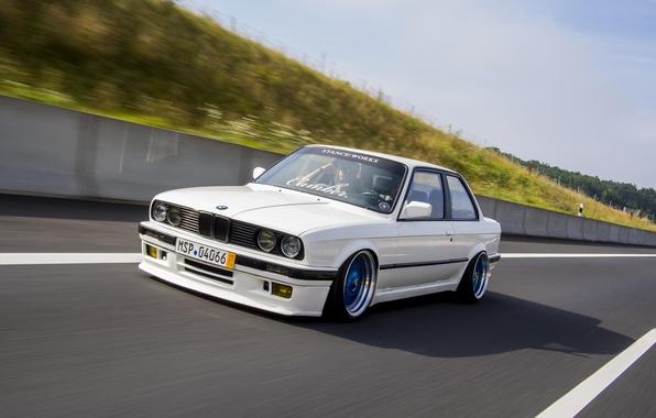 Картинка BMW, Скорость, Белая, БМВ, sport, Трасса, White, E30, BBS