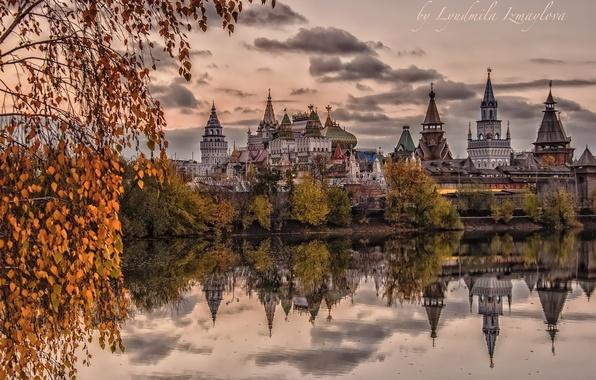 Картинка осень, вода, деревья, пруд, отражение, Москва, храм, Россия, архитектура, Измайловский Кремль