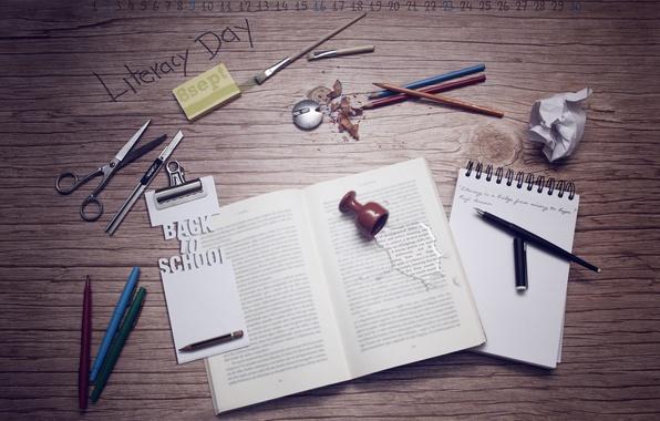 Картинка осень, стол, месяц, цифры, ручка, блокнот, книга, карандаш, 2012, школа, кисть, календарь, предметы, ножницы, сентябрь, …