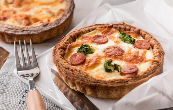 Картинка сыр, пирог, выпечка, брокколи, колбаски