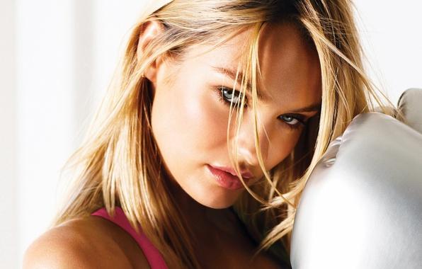 Картинка взгляд, девушка, лицо, секси, фон, модель, волосы, блондинка, губы, sexy, красотка, Victoria's Secret Angels, Кэндис …