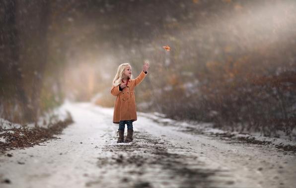 Картинка осень, снег, лист, девочка