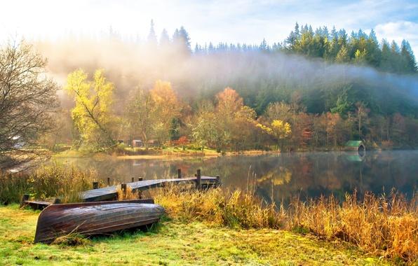 Картинка осень, небо, вода, облака, деревья, пейзаж, природа, озеро, лодки