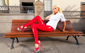 Картинка скамейка, блондинка, латекс, Susan Wayland, bench, blonde, белая рубашка, latex, white shirt