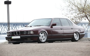 Картинка BMW, темно-красная, E32