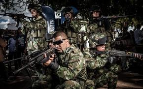 Картинка Medellin, оружие, солдаты