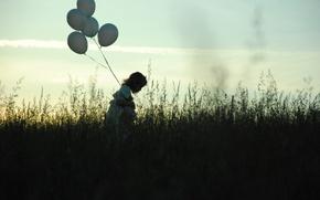 Картинка грусть, поле, небо, трава, шарики, одиночество, вечер, девочка